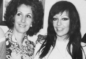 Estela Carlotto com sua filha, na década de 70. Foto: Perfil